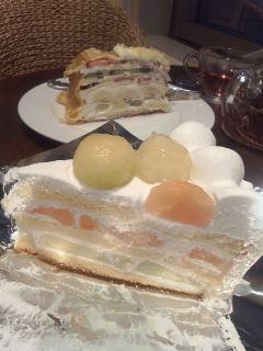 ケーキ『H<br />  ARBS』。