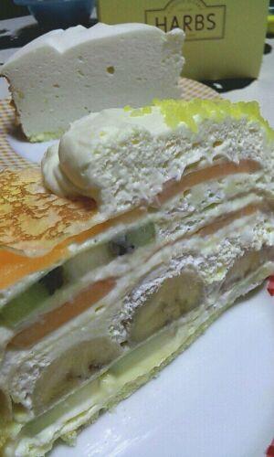 ケーキ『H<br />  ARBS 』。